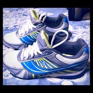 Champion sz 5 sneaker